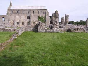 Refectory from rooms on South side; the structure on right is site of pulpit